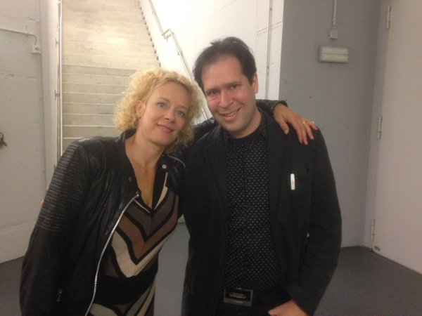 Oliver Klein backstage mit Katja Riemann